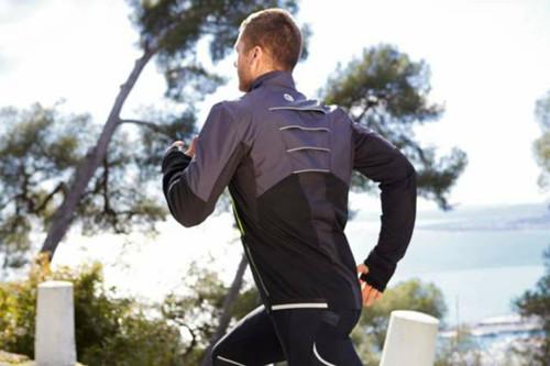 冬季户外跑步该怎样坚持 30分钟减肥瘦身运动推荐
